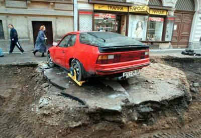 dodge daytona with a boot during construction